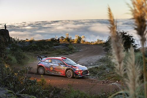 WRC Argentinië: Neuville wint voor Mikkelsen en Ogier
