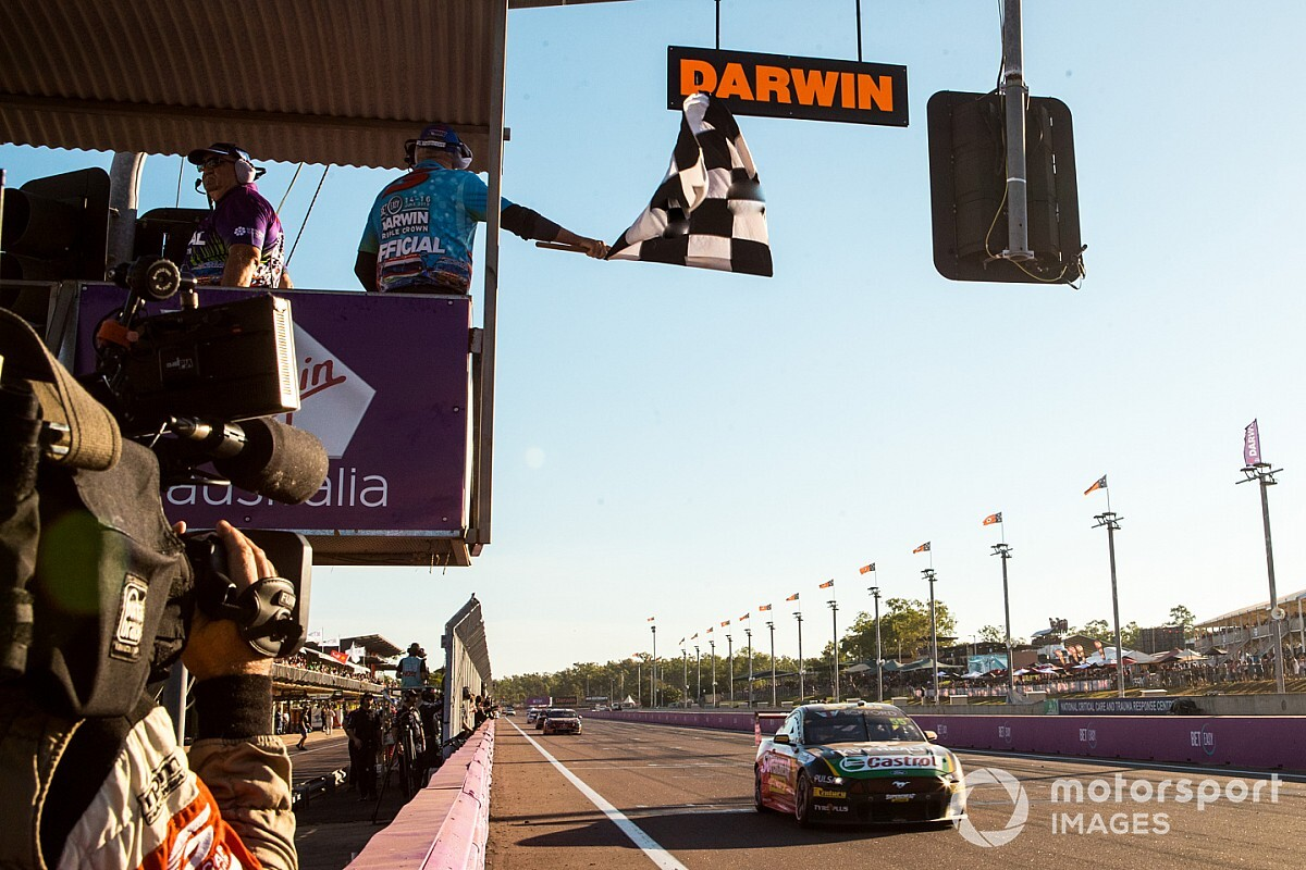 Darwin Supercars rounds will go ahead despite hot spot scare