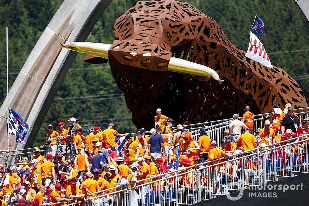 На гонках Формулы 1 в Австрии хитро обошли лимиты на зрителей