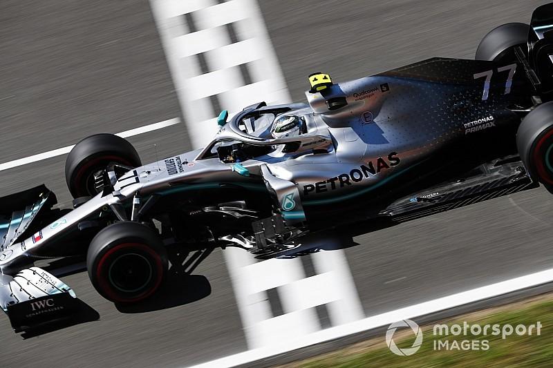 Bottas zet Mercedes op pole, Verstappen vierde in Barcelona