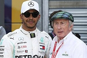 """Hamilton : Les anciens pilotes """"font une fixette"""" sur moi"""