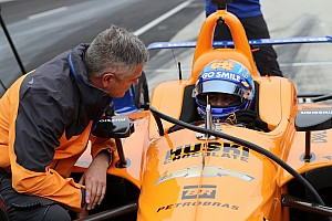 De Ferran apologizes for McLaren failure at Indy