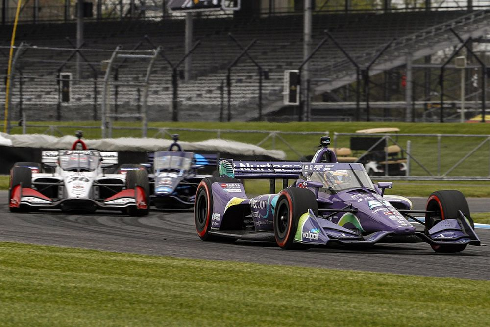 """IndyCar's blue-flag procedure """"being looked at"""""""