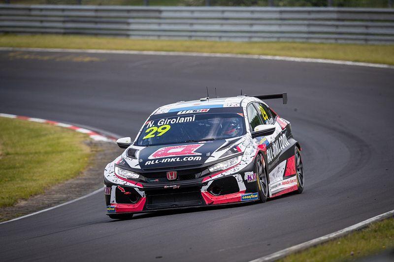 Girolami logra la pole position en Nurburgring
