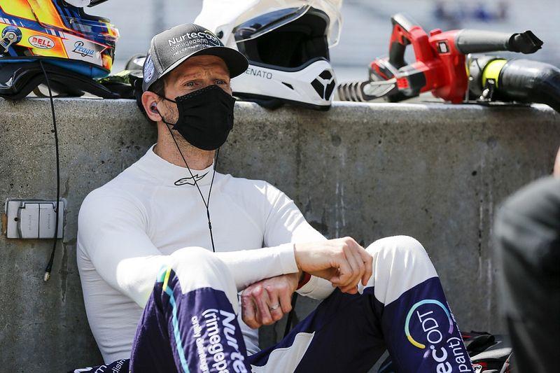 Грожан не смог конвертировать первый поул в IndyCar в победу. Дважды стокнулся с Сато и финишировал 2-м