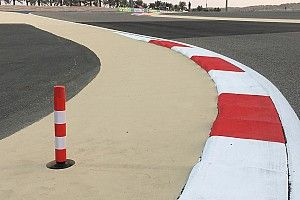 "Bahrain 'oval' has a ""strange, aggressive"" kerb - Gasly"
