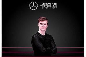 Az F1 Esports Series bajnoka a Mercedesnél folytatja 2021-ben