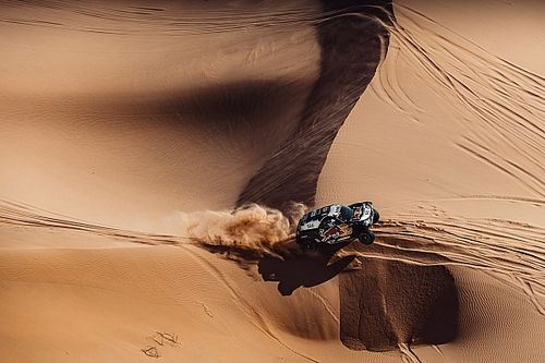 "Sainz fed up after navigational drama: ""This isn't the Dakar"""