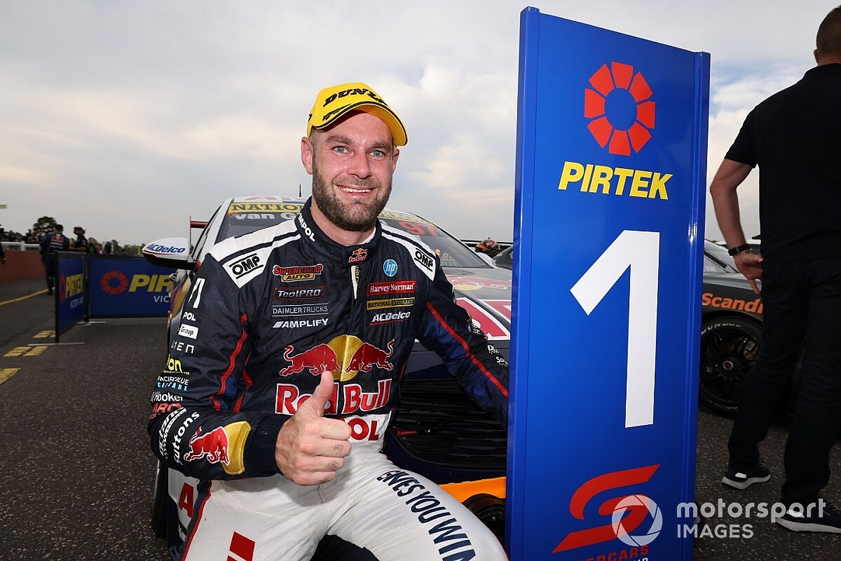 Sandown Supercars: Injured van Gisbergen storms to stunning win