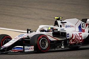 Haas сохранит на Гран При Бахрейна ливрею в цветах российского флага
