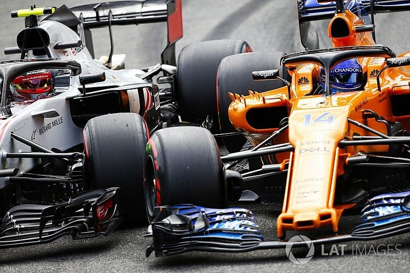 Geen straffen na incident Alonso/Magnussen in slotfase Q2