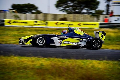 Coimbatore JK Tyre: Chatterjee inherits Race 2 win as leaders collide
