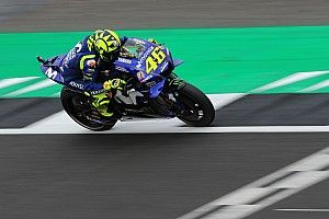 "Rossi ""very upset"" at Yamaha qualifying pit box error"