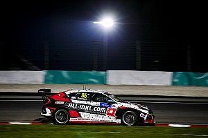 Герьери выиграл ночную дождевую гонку на «Сепанге», сохранив шансы на титул в WTCR