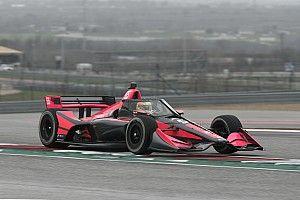 Palou se estrena en la IndyCar en una jornada condicionada
