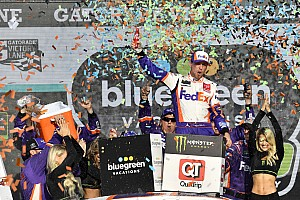 Denny Hamlin survives three-lap dash to win at Phoenix