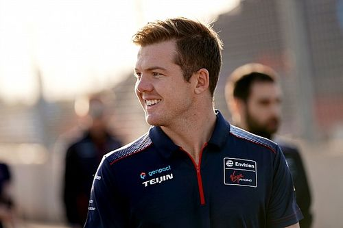 Кэссиди с рекордом трассы возглавил протокол на тестах новичков Формулы Е