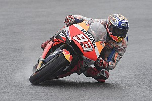 Márquez lidera el warm up con brazo de hierro