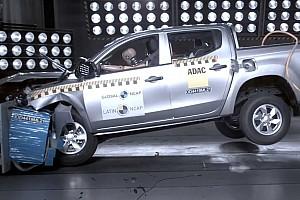Videó: botrányosan teljesített a Mitsubishi L200 a latín-amerikai törésteszten