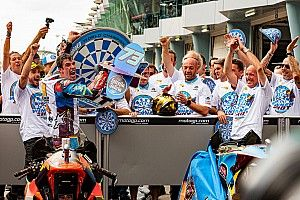 Álex Márquez Champion du monde Moto2!