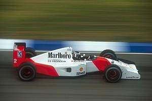 Forma-1 Nosztalgia Retro: Mindkét Williams kiesik, Bergeré a szezonzáró