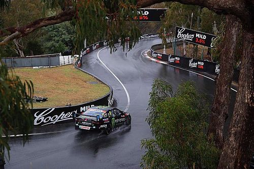 Bathurst 1000: Prodrive leads, McLaughlin out of the race