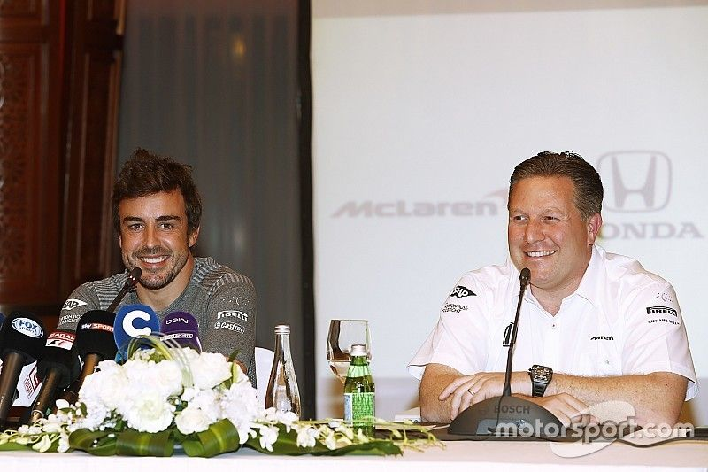 La idea de Alonso de hacer las 500 Millas partió de una broma, dice Brown