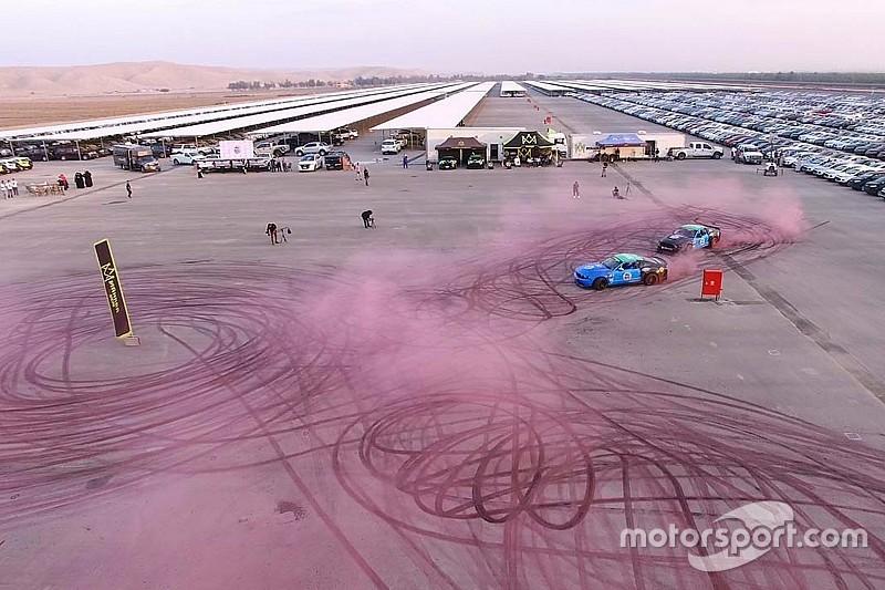 VIDÉO - Nouveau record du monde de drift pour deux Ford Mustang