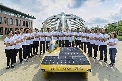 Güneş Enerjili Araçlar ile Avustralya'yı Kuzeyden Güneye Kat Edecekler