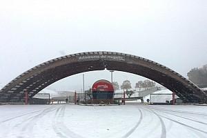 Speciale Curiosità La neve conquista la Toscana e domina al Circuito del Mugello!