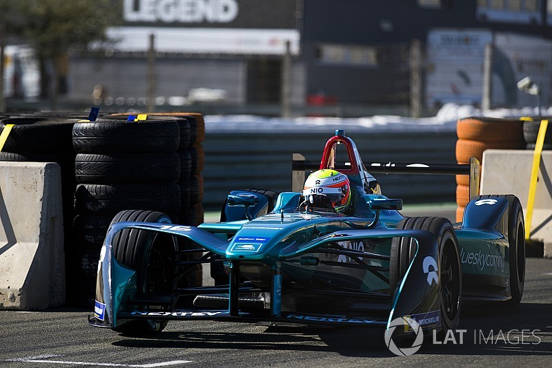 Valencia Formula E test: Turvey retakes lead on final day