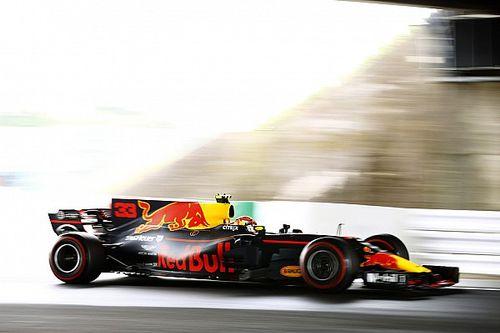 """Verstappen rijdt met andere set-up dan Ricciardo: """"Aan het testen voor 2018"""""""
