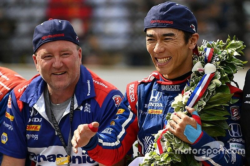 """Engineer Sato: """"Nu doet hij mee voor de IndyCar-titel"""""""
