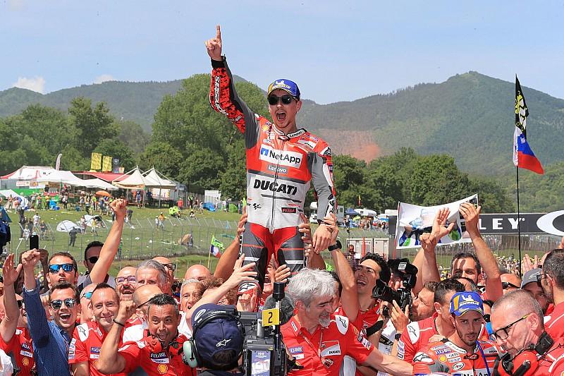 Lorenzo nyert a Ducatival Mugellóban Dovi és Rossi előtt - Marquez nullázott!