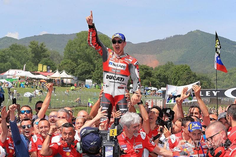 Lorenzo logra ganar con Ducati en Mugello