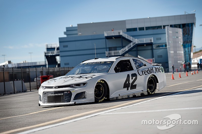 Chevy Las Vegas >> Nascar Test In Las Vegas Neuer Chevy Camaro Macht Die Pace