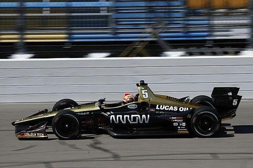 Hinchcliffe le 'roba' otra victoria a Chevrolet para Honda