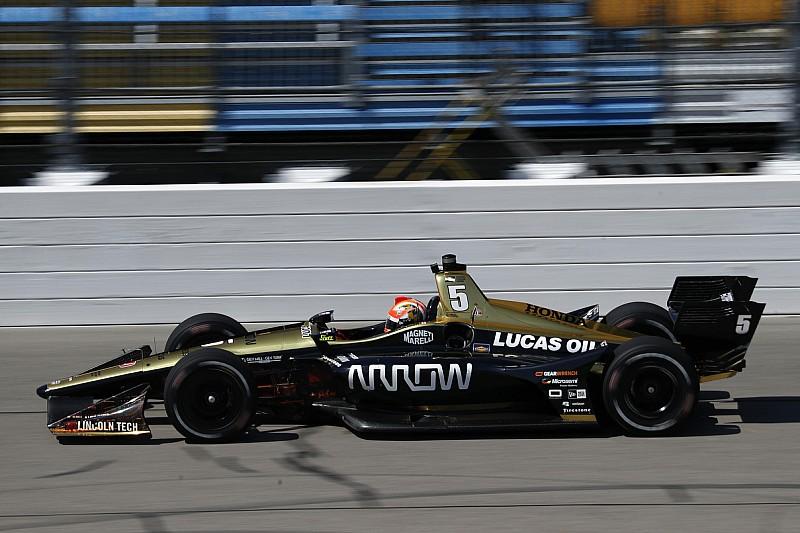 Хинчклифф выиграл гонку IndyCar на овале в Айове