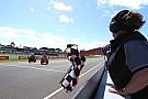 World Superbike Melandri vence a Rea por 21 milésimas en Phillip Island