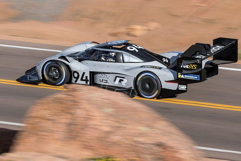Dengan mobil listrik, Dumas cetak waktu tercepat
