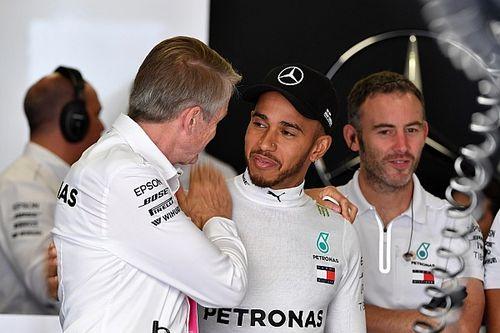 西班牙大奖赛排位赛:汉密尔顿强势摘杆位,梅赛德斯包揽头排发车位