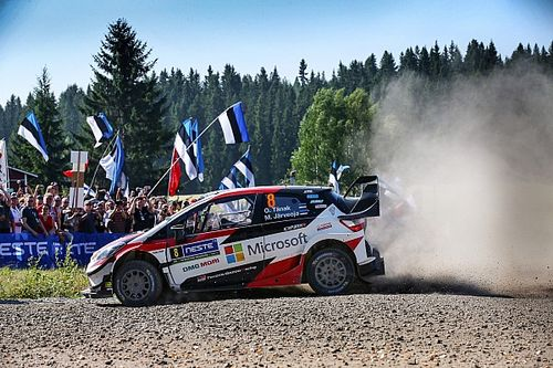 Ott Tanak y Martin Jarveoja, imperiales en el Rally de Finlandia