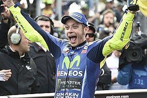 """Rossi genoot van felle strijd: """"Je moet dit spel meespelen als je niet thuis wilt zitten"""""""
