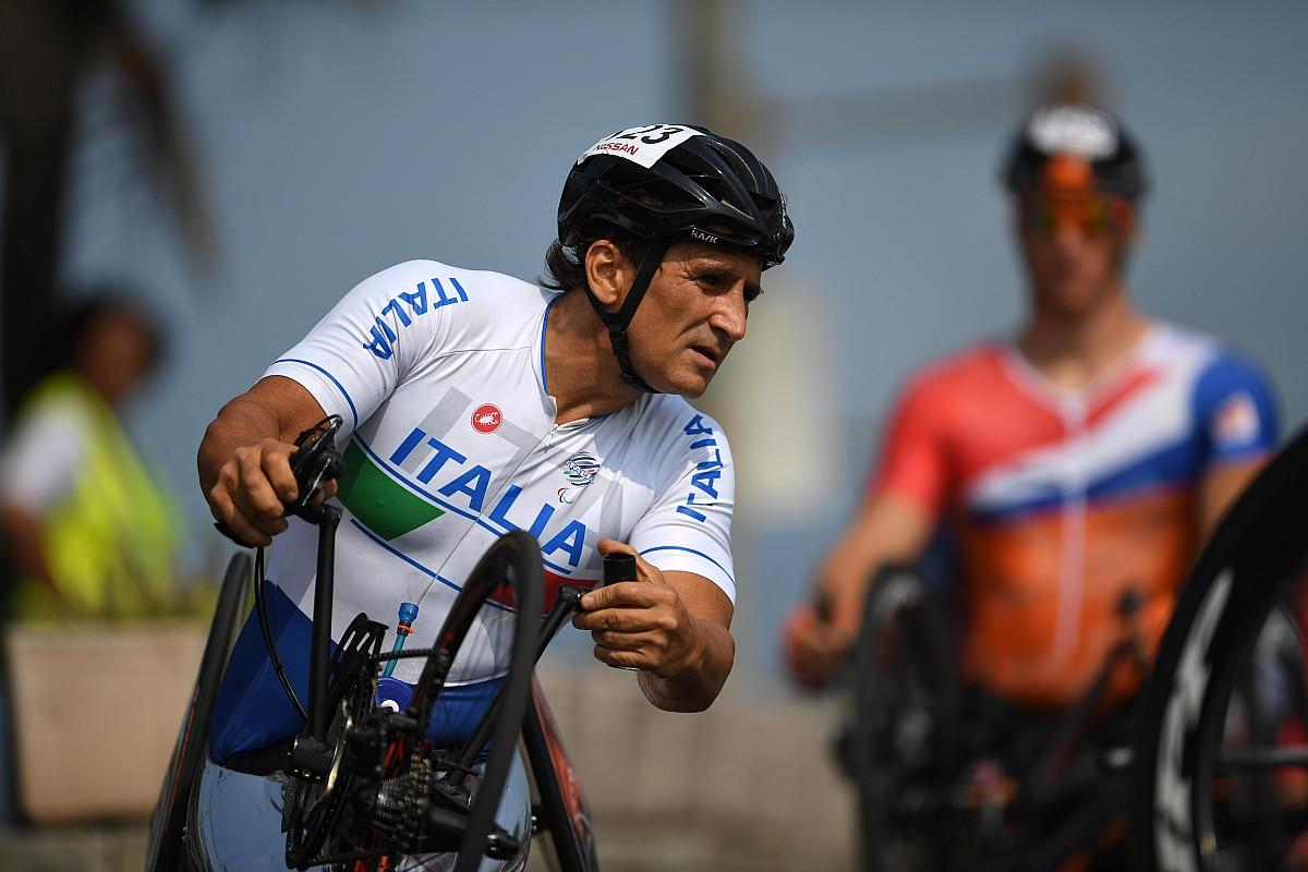 Alex Zanardi sofre grave acidente de bicicleta em estrada e é levado a hospital de helicóptero