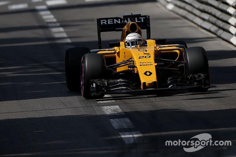Magnussen escapes penalty after Q1 pitlane incident