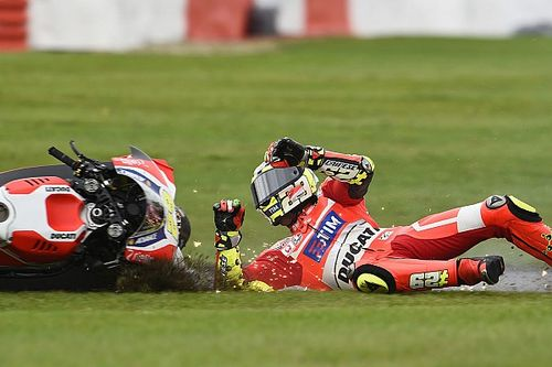 "Iannone ""didn't have control"" at Silverstone with forearm pain"