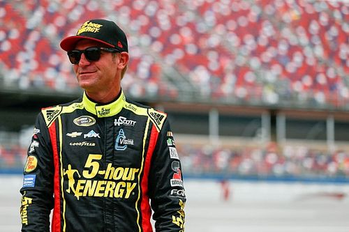 Clint Bowyer to join JR Motorsports for first Xfinity race since 2012
