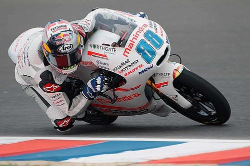 Argentina Moto3: Martin leads as several Mahindra riders fall