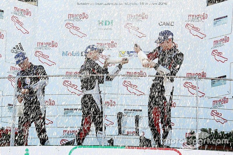Carrera Cup Italia: Al Mugello Drudi si impone in Gara 3 e De Giacomi è campione della Michelin Cup