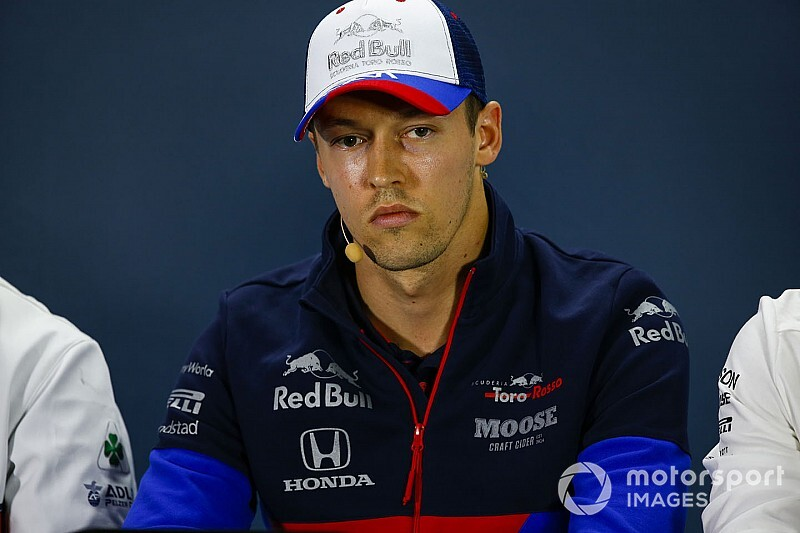 """Kvyat: """"F1'de kalacağım için mutluyum"""""""